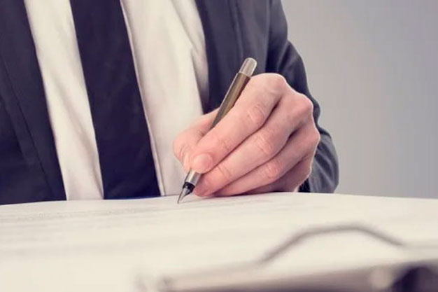 5 Reasons to Hire a Real Estate Lawyer in Dubai